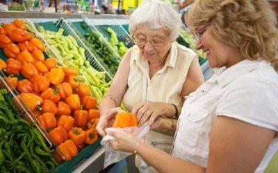 Ouderen adviseren over ouderenzorg
